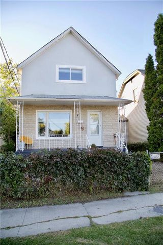 Photo 1: 260 Reitta Street in Winnipeg: Weston Residential for sale (5D)  : MLS®# 202023186