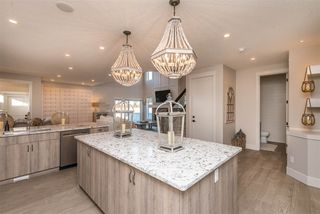 Photo 35: 943 VALOUR Way in Edmonton: Zone 27 House for sale : MLS®# E4221977