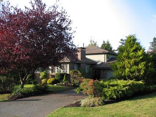 Photo 1: 12919 22A Avenue in Surrey: Crescent Bch Ocean Pk. House for sale (South Surrey White Rock)  : MLS®# F2623671