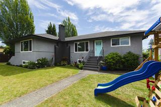 Photo 3: 6976 WINCH Street in Burnaby: Sperling-Duthie House for sale (Burnaby North)  : MLS®# R2481241
