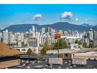 "Photo 5: 306 55 E 10TH Avenue in Vancouver: Mount Pleasant VE Condo for sale in ""Abbey Lane"" (Vancouver East)  : MLS®# R2491184"