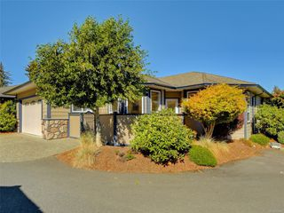 Main Photo: 104 1645 Narissa Rd in : Sk Whiffin Spit Row/Townhouse for sale (Sooke)  : MLS®# 854987