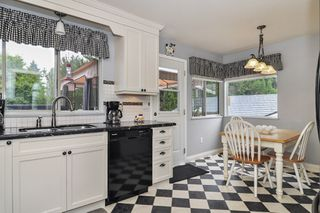 Photo 6: 26625 28A Avenue in Langley: Aldergrove Langley House for sale : MLS®# R2500058