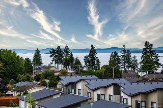 Photo 25: 504 2500 Hackett Cres in : CS Turgoose Condo for sale (Central Saanich)  : MLS®# 856409