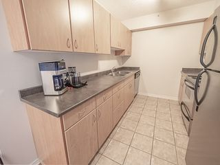 Photo 10: 1104 10180 104 Street in Edmonton: Zone 12 Condo for sale : MLS®# E4179370