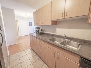 Photo 12: 1104 10180 104 Street in Edmonton: Zone 12 Condo for sale : MLS®# E4179370