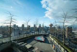 """Photo 20: 1701 128 W CORDOVA Street in Vancouver: Downtown VW Condo for sale in """"WOODWARDS - W43"""" (Vancouver West)  : MLS®# R2433823"""