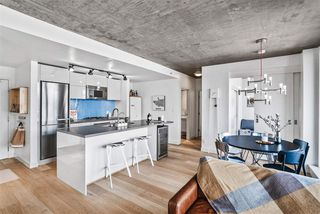 """Photo 5: 1701 128 W CORDOVA Street in Vancouver: Downtown VW Condo for sale in """"WOODWARDS - W43"""" (Vancouver West)  : MLS®# R2433823"""