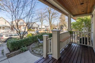 Photo 2: 852 E 10TH Avenue in Vancouver: Mount Pleasant VE House 1/2 Duplex for sale (Vancouver East)  : MLS®# R2446678