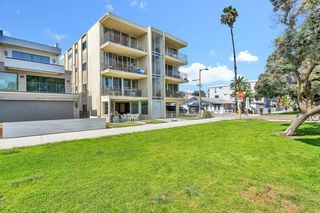 Photo 23: MISSION BEACH Condo for sale : 3 bedrooms : 3696 Bayside Walk #G (#1) in San Diego