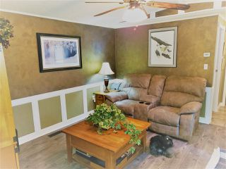 Photo 4: 8950 COLUMBIA Road in Prince George: Pineview Manufactured Home for sale (PG Rural South (Zone 78))  : MLS®# R2516403