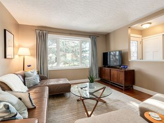 Photo 4: 3716 3 Avenue SW in Calgary: Spruce Cliff Detached for sale : MLS®# A1051246