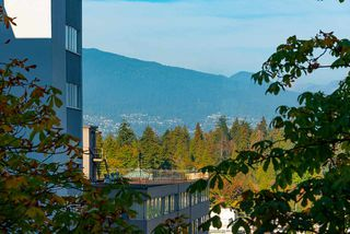 "Photo 14: 501 1960 ROBSON Street in Vancouver: West End VW Condo for sale in ""Lagoon Terrace"" (Vancouver West)  : MLS®# R2528617"