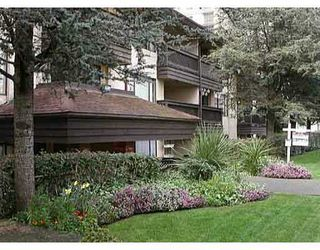 "Photo 1: 102 436 7TH ST in New Westminster: Uptown NW Condo for sale in ""Regency Court"" : MLS®# V564005"