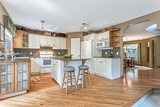 Photo 7: 386 MOUNTAIN PARK Drive SE in Calgary: McKenzie Lake Detached for sale : MLS®# C4265504