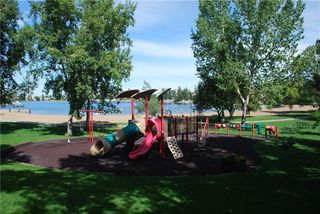 Photo 35: 386 MOUNTAIN PARK Drive SE in Calgary: McKenzie Lake Detached for sale : MLS®# C4265504