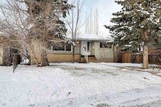 Photo 2: 10234 73 Street in Edmonton: Zone 19 House for sale : MLS®# E4181836