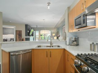 "Photo 11: 308 300 KLAHANIE Drive in Port Moody: Port Moody Centre Condo for sale in ""KLAHANIE - TIDES BLDG."" : MLS®# R2480822"