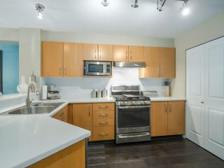 "Photo 6: 308 300 KLAHANIE Drive in Port Moody: Port Moody Centre Condo for sale in ""KLAHANIE - TIDES BLDG."" : MLS®# R2480822"