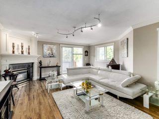 """Photo 3: 306 14993 101A Avenue in Surrey: Guildford Condo for sale in """"Cartier"""" (North Surrey)  : MLS®# R2495846"""