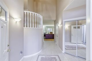 Photo 3: 5938 Blairway Pl in : Na Uplands Row/Townhouse for sale (Nanaimo)  : MLS®# 861240