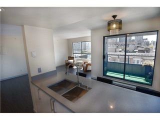 "Photo 5: 607 1060 ALBERNI Street in Vancouver: West End VW Condo for sale in ""THE CARLYLE"" (Vancouver West)  : MLS®# R2396121"
