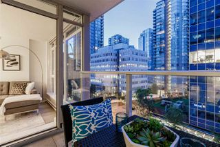 "Photo 4: 503 1188 W PENDER Street in Vancouver: Coal Harbour Condo for sale in ""SAPPHIRE"" (Vancouver West)  : MLS®# R2396964"