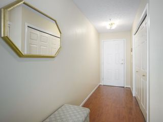 "Photo 18: 305 48 RICHMOND Street in New Westminster: Fraserview NW Condo for sale in ""Gatehouse Place"" : MLS®# R2410205"