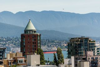 """Photo 11: 1906 2055 PENDRELL Street in Vancouver: West End VW Condo for sale in """"Panorama Place"""" (Vancouver West)  : MLS®# R2417095"""