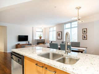 """Photo 13: 315 638 W 7TH Avenue in Vancouver: Fairview VW Condo for sale in """"Omega"""" (Vancouver West)  : MLS®# R2424354"""