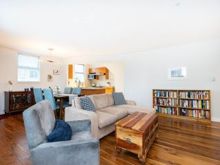 """Photo 5: 315 638 W 7TH Avenue in Vancouver: Fairview VW Condo for sale in """"Omega"""" (Vancouver West)  : MLS®# R2424354"""