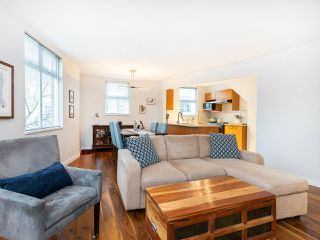"""Photo 4: 315 638 W 7TH Avenue in Vancouver: Fairview VW Condo for sale in """"Omega"""" (Vancouver West)  : MLS®# R2424354"""