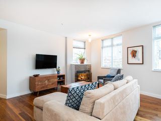 """Photo 3: 315 638 W 7TH Avenue in Vancouver: Fairview VW Condo for sale in """"Omega"""" (Vancouver West)  : MLS®# R2424354"""