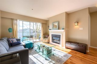 """Photo 4: 311 20881 56 Avenue in Langley: Langley City Condo for sale in """"Roberts Court"""" : MLS®# R2437308"""