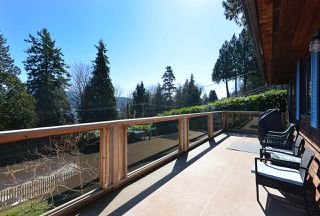 """Photo 15: 1187 MARINE Drive in Gibsons: Gibsons & Area House for sale in """"Hopkins Landing"""" (Sunshine Coast)  : MLS®# R2471035"""