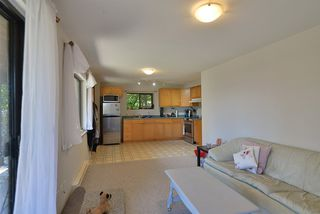 """Photo 18: 1187 MARINE Drive in Gibsons: Gibsons & Area House for sale in """"Hopkins Landing"""" (Sunshine Coast)  : MLS®# R2471035"""