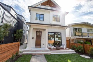Photo 1: 346 E 39TH Avenue in Vancouver: Main 1/2 Duplex for sale (Vancouver East)  : MLS®# R2501554