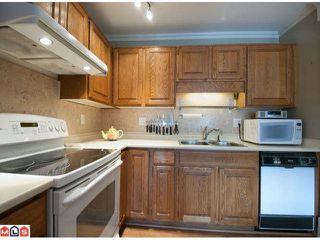 Photo 5: 103 14950 THRIFT AV in White Rock: Home for sale : MLS®# F1226144