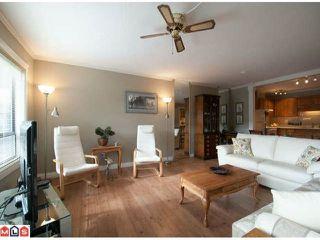 Photo 3: 103 14950 THRIFT AV in White Rock: Home for sale : MLS®# F1226144