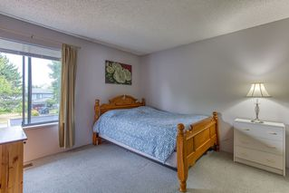 Photo 10: 6921 134A Street in Surrey: West Newton House 1/2 Duplex for sale : MLS®# R2389384
