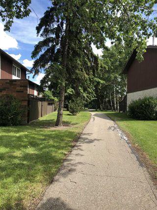 Photo 3: 17525 77 Avenue in Edmonton: Zone 20 Townhouse for sale : MLS®# E4166599