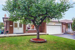 Photo 2: 26 Ladner Drive in Toronto: Pleasant View House (Backsplit 4) for sale (Toronto C15)  : MLS®# C4598547