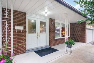 Photo 3: 26 Ladner Drive in Toronto: Pleasant View House (Backsplit 4) for sale (Toronto C15)  : MLS®# C4598547