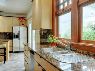 Photo 8: 487 Superior Street in VICTORIA: Vi James Bay Single Family Detached for sale (Victoria)  : MLS®# 420585