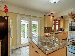 Photo 6: 487 Superior Street in VICTORIA: Vi James Bay Single Family Detached for sale (Victoria)  : MLS®# 420585