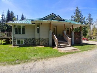 Photo 3: 404 Whaletown Rd in CORTES ISLAND: Isl Cortes Island House for sale (Islands)  : MLS®# 843159