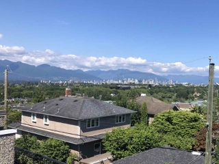 "Photo 1: 3656 BLENHEIM Street in Vancouver: Dunbar House for sale in ""DUNBAR"" (Vancouver West)  : MLS®# R2473111"