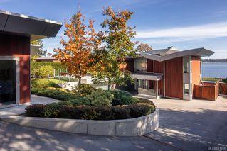 Photo 34: 8407 Lochside Dr in Central Saanich: CS Saanichton House for sale : MLS®# 841208