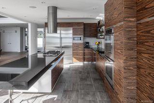Photo 7: 8407 Lochside Dr in Central Saanich: CS Saanichton House for sale : MLS®# 841208