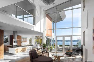 Photo 10: 8407 Lochside Dr in Central Saanich: CS Saanichton House for sale : MLS®# 841208